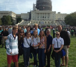 Local TV Station Covers Rosarian Students' at Pope's Address to Joint Session of Congress