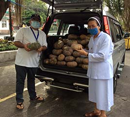 Church and Benefactors in Philippines Reach Out to People Suffering in COVID-19 Pandemic